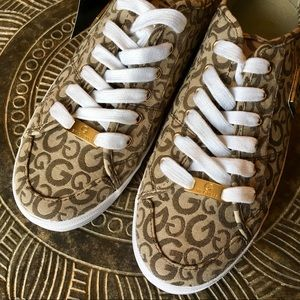 G BY GUESS NWT Taupe Canvas G Print Sneakers 11